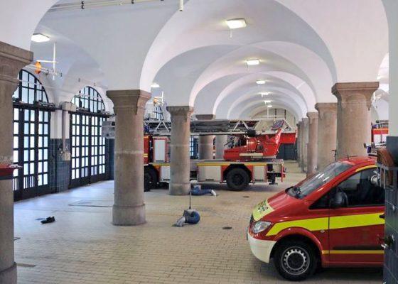 München, Feuerwache 1 – Gewölbedecke auf Granitstützen über Fahrzeughalle (Quelle: www.muenchen.de)