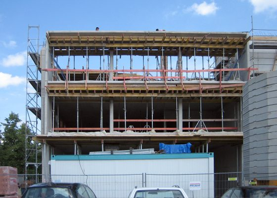 Anderwerk GmbH – Schalung Balkonkonstruktion